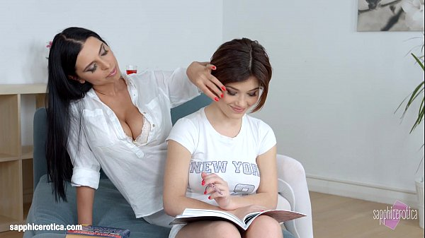 She interrupts her friend's studies to eat her pussy - Sapphic Erotica